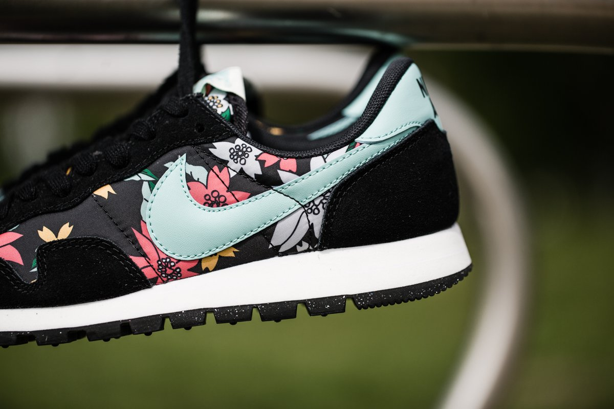 Cool Authentic Cheap Womens Nike Roshe One Print Floral Shoes WhiteArtisan